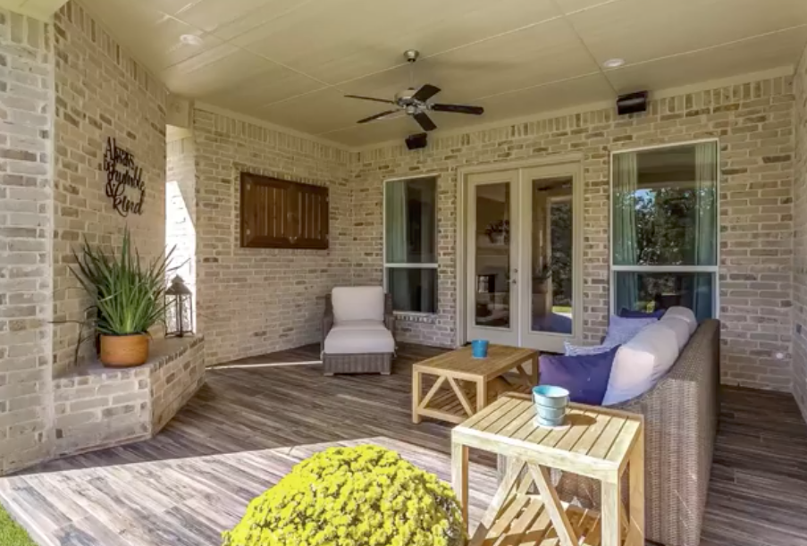 Fact Friday Video: Outdoor Entertaining Spaces